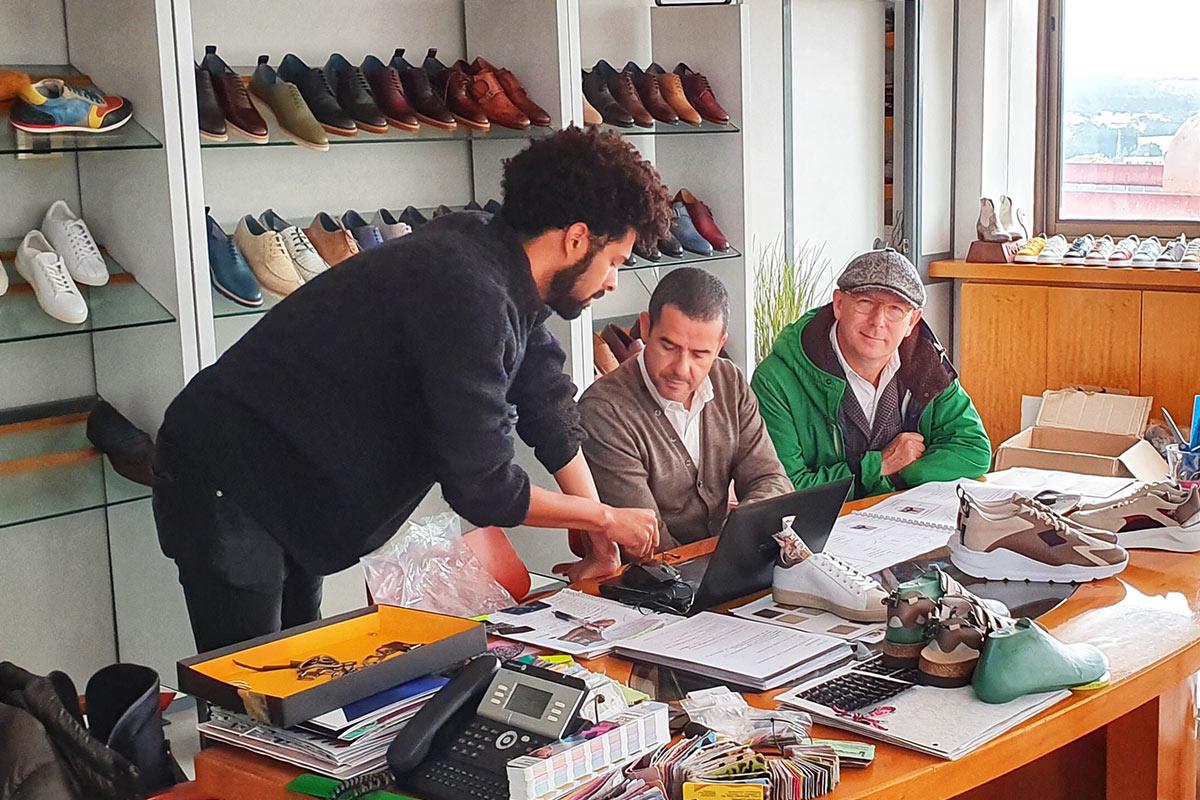 Gary Teriete und André Fernandes bei der Arbeit